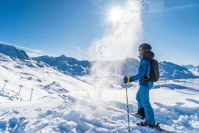 skier in les menuires