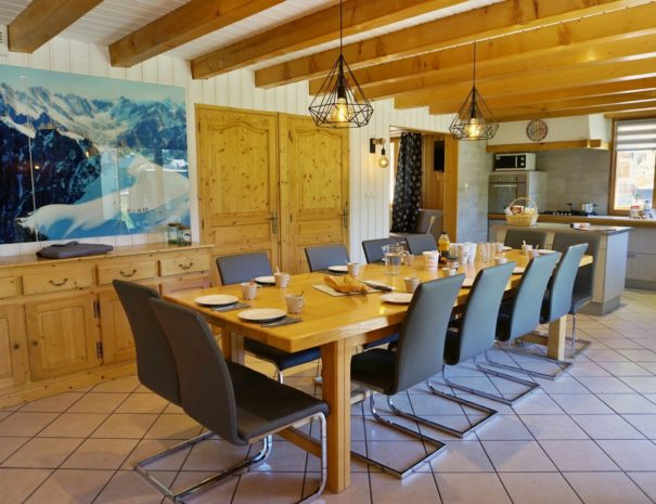 Chalets-Lacuzon Snow Valley large dining table