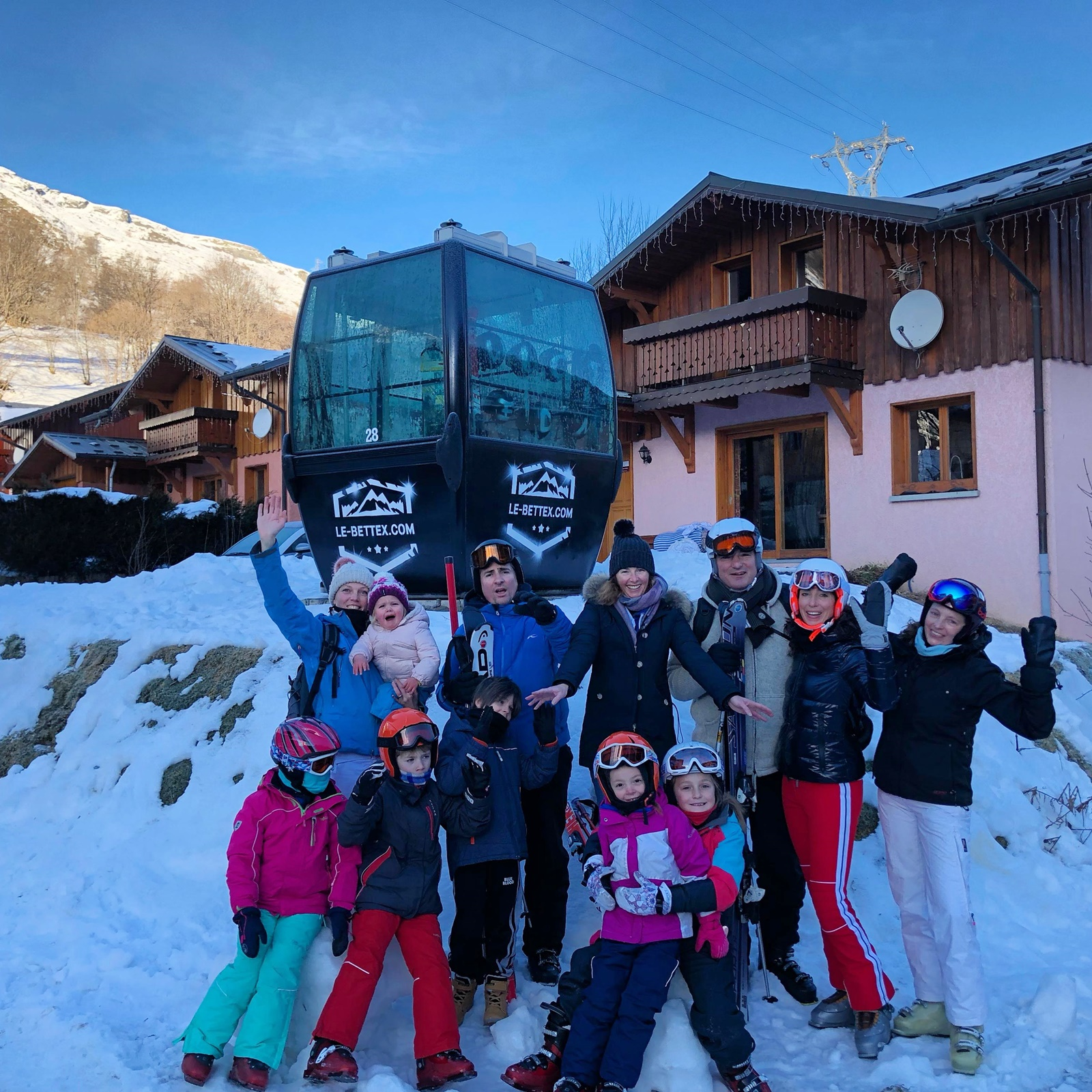 Chalet Snow Valley - friends picture