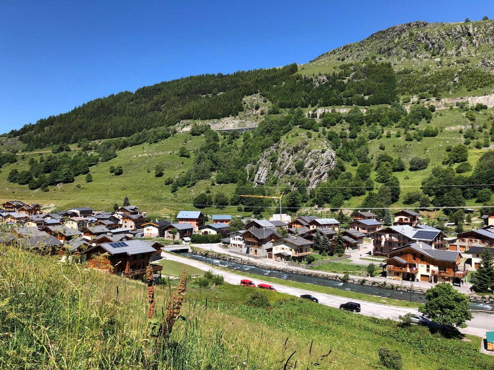 village du Bettaix l'été